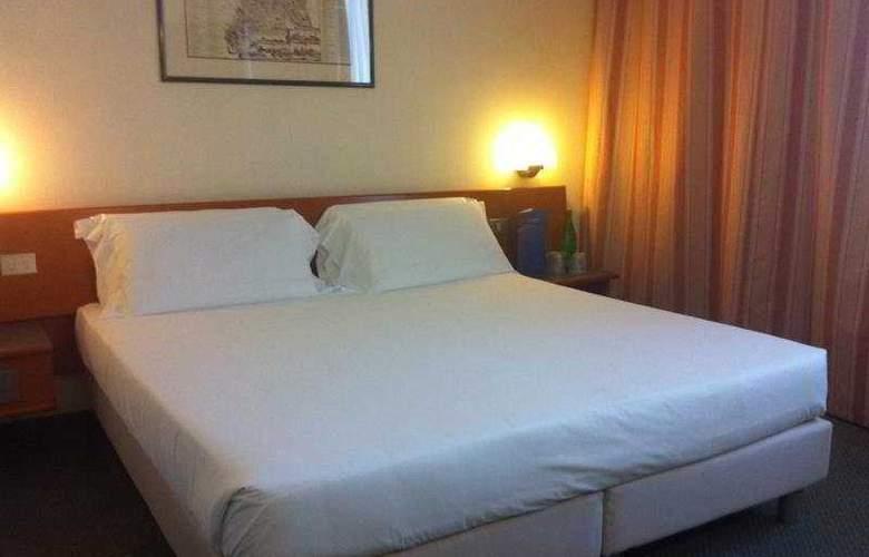 Euro Hotel Roma Nord - Room - 5