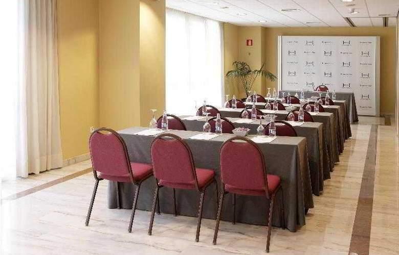 Hesperia Vigo - Conference - 10