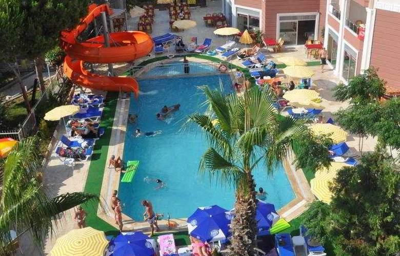 Primera Hotel Apart - Pool - 6