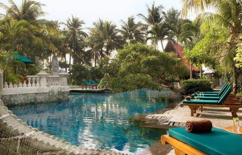 Sheraton Surabaya - Pool - 30