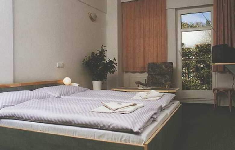 Amadeus Aparthotel - Room - 5