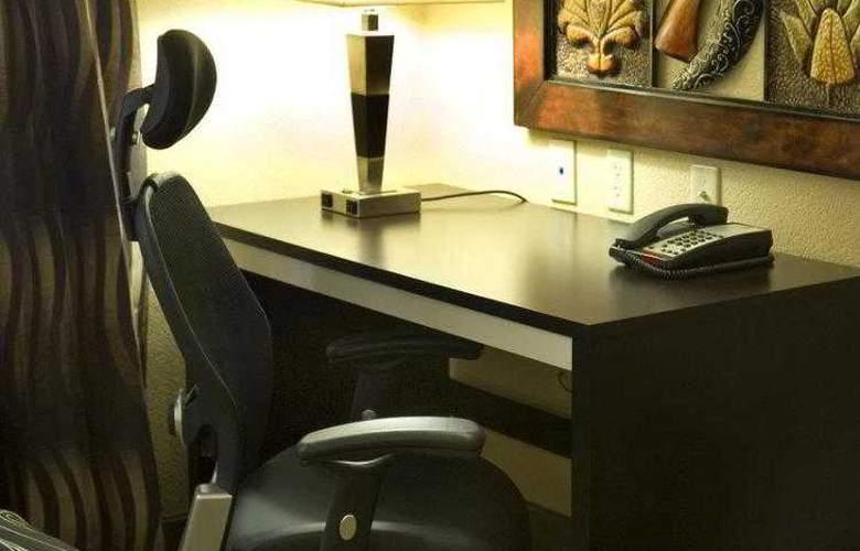 Best Western Plus Jfk Inn & Suites - Hotel - 2