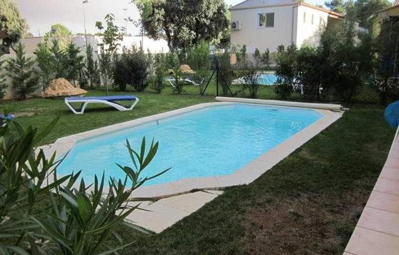 Residence Enclos de L'Aqueduc - Pool - 13