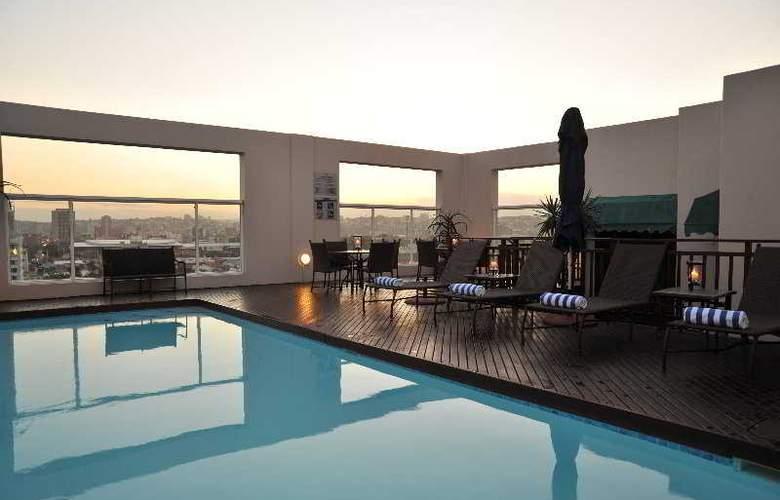 Protea Hotel Edward Durban - Pool - 5