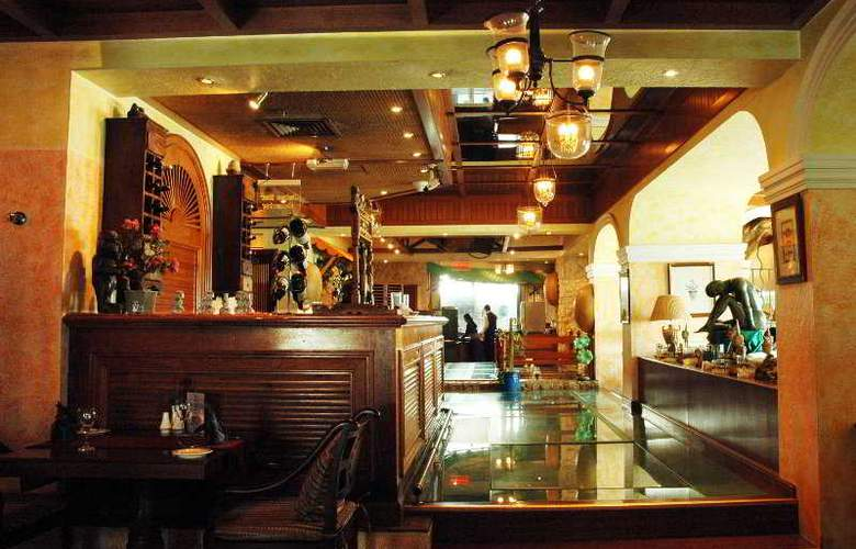 Regent Palace - Bar - 6