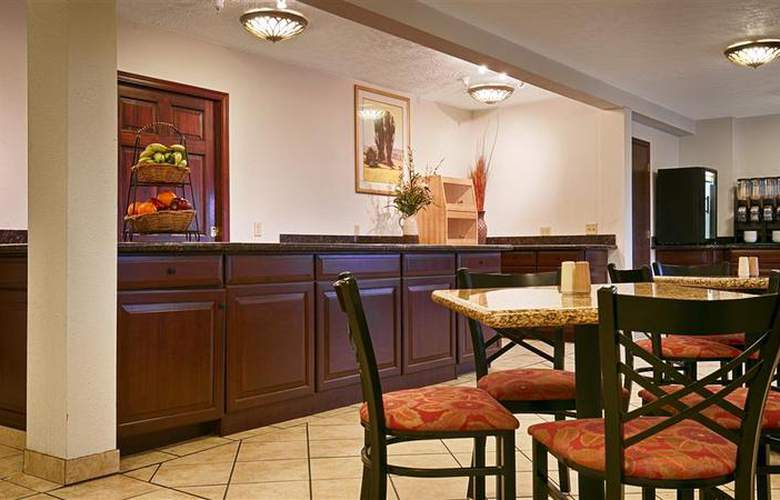 Best Western Plus Ahtanum Inn - Restaurant - 117
