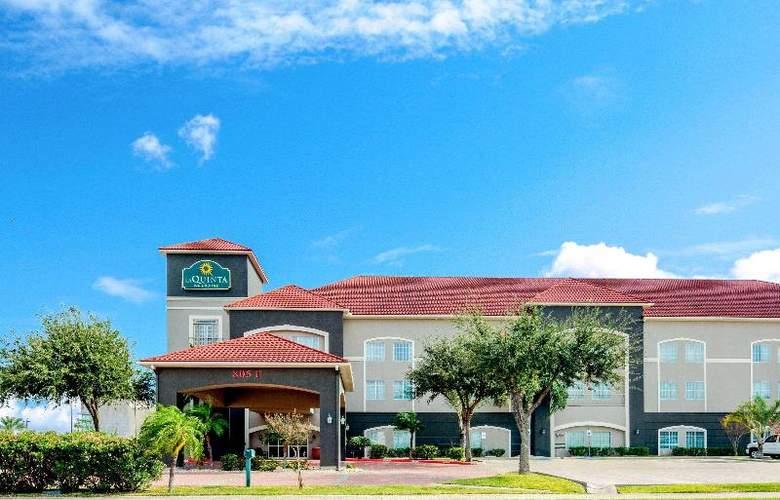 La Quinta Inn & Suites Mission at West McAllen - Hotel - 3