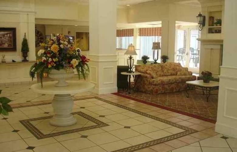 Hilton Garden Inn Knoxville West/Cedar Bluff - Hotel - 1