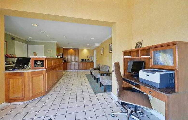 Best Western Plus Executive Suites - Hotel - 4