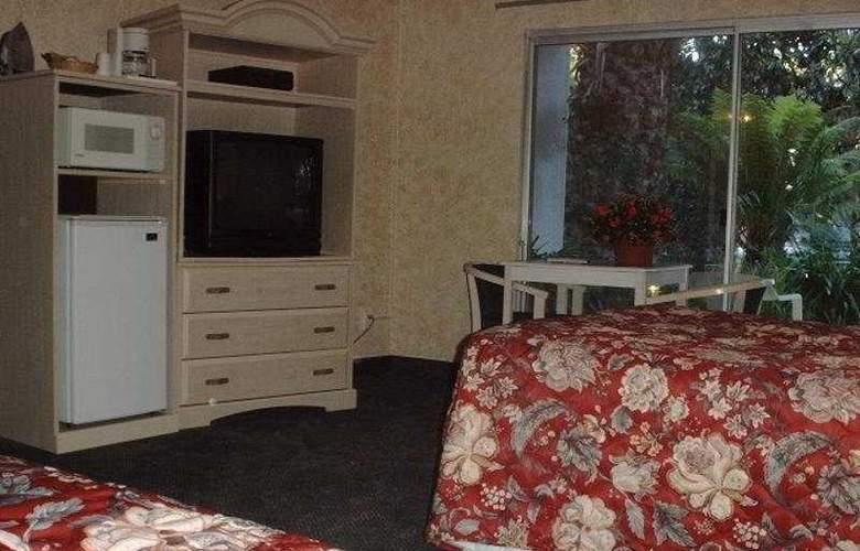 Cypress Gardens Inn - Room - 3