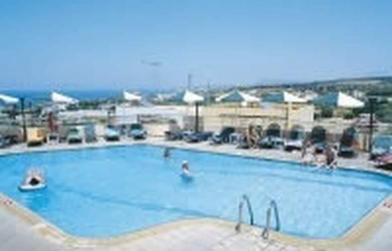 Radamanthis - Pool - 3