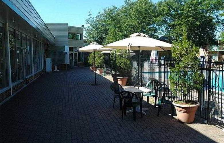 Best Western St.Catharines Hotel & Conference Cent - Terrace - 9