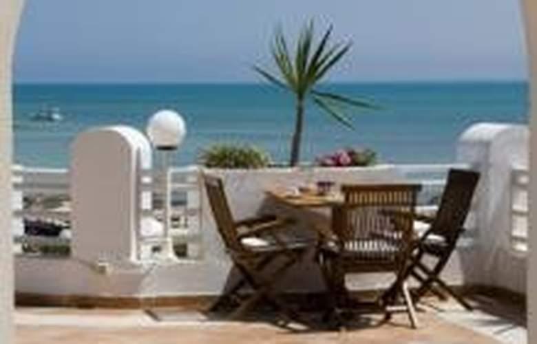 Vincci Alkantara Thalassa - Terrace - 4