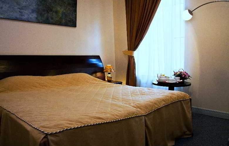 Grand Mark Hotel - Room - 8