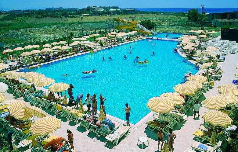 Diamond Beach Hotel - Pool - 3