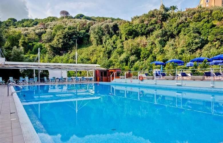 Best Western La Solara Sorrento - Pool - 28