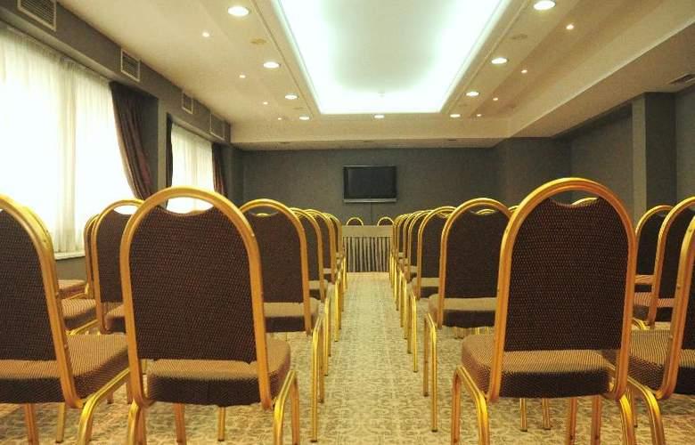 Golden Star Hotel - Conference - 32