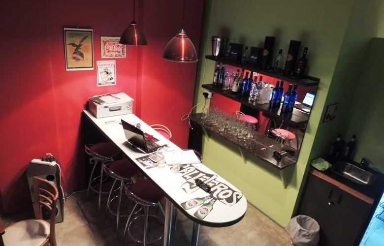 Don King Hostel - Bar - 3