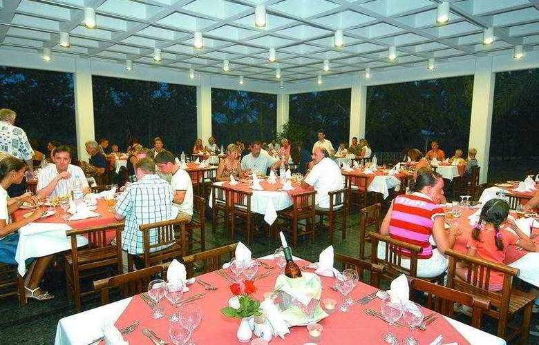 Club Kastalia - Restaurant - 9