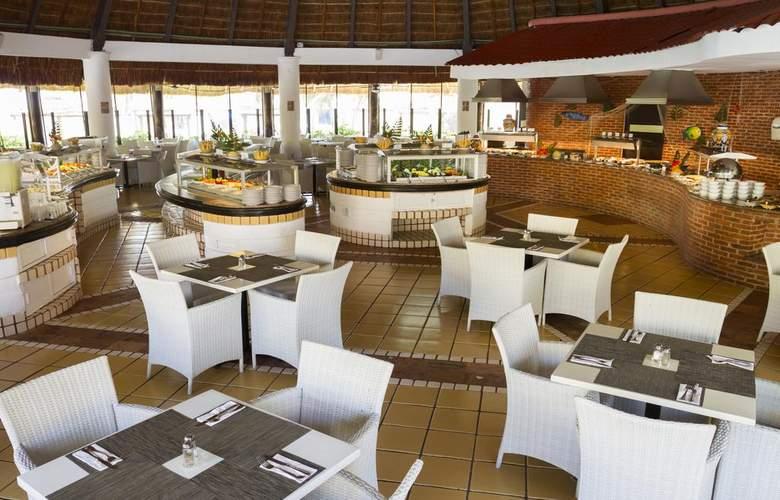 Sandos Playacar Beach Experience Resort - Restaurant - 13