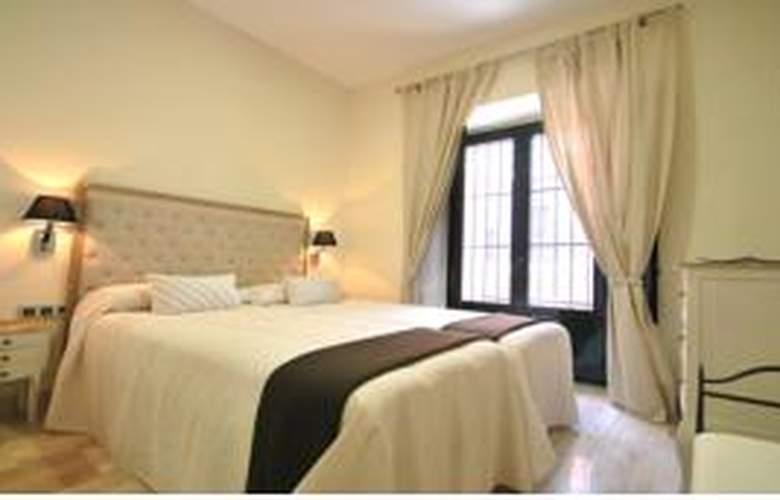Living-Sevilla Apartments Maestranza - Room - 8