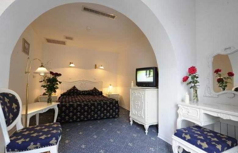 Phoenix Spa Hotel - Room - 7