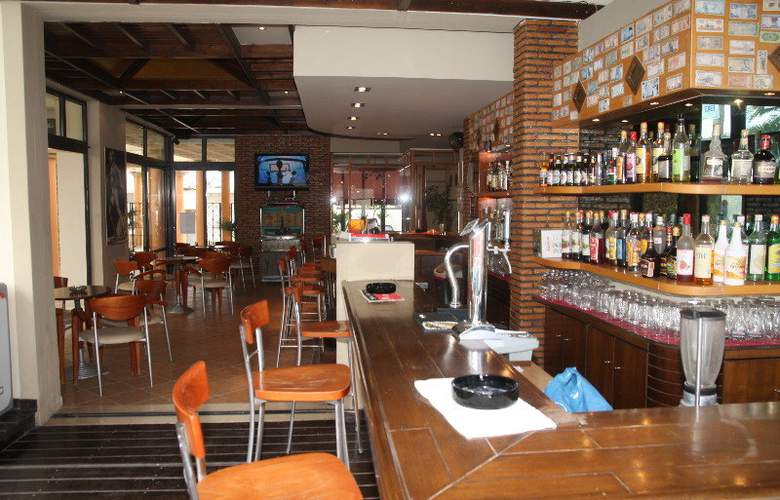 Argiri Hotel Apartments - Bar - 4