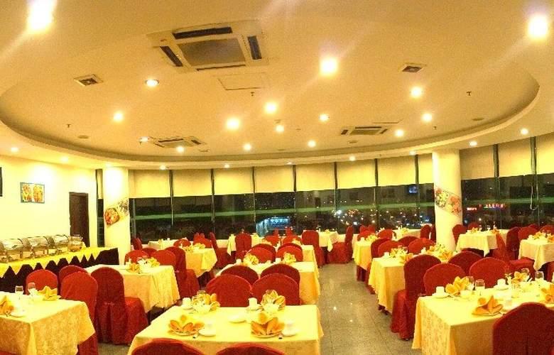 Raystar - Restaurant - 11