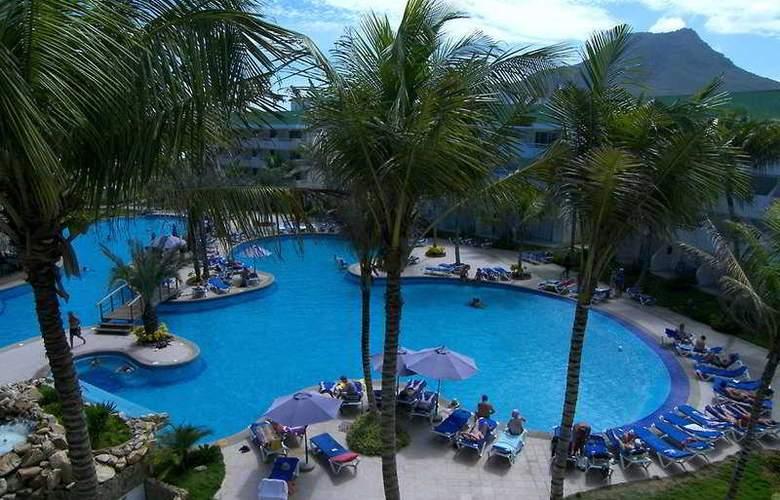 Isla Caribe Beach Resort - Pool - 3