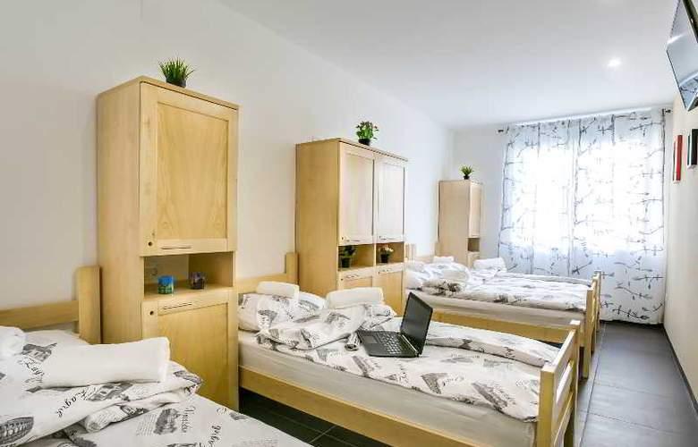 Hostel Moving - Room - 27