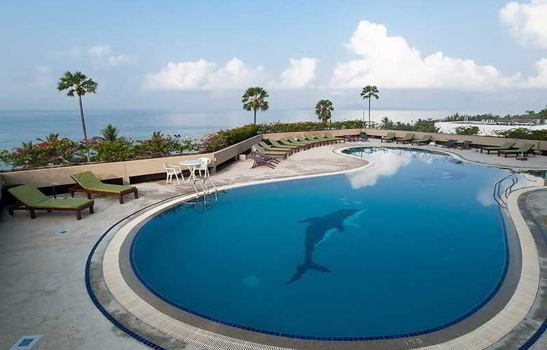 Grand Jomtien Palace Pattaya - Pool - 9