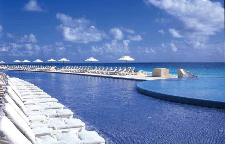 Live Aqua Beach Resort Cancun - Pool - 5