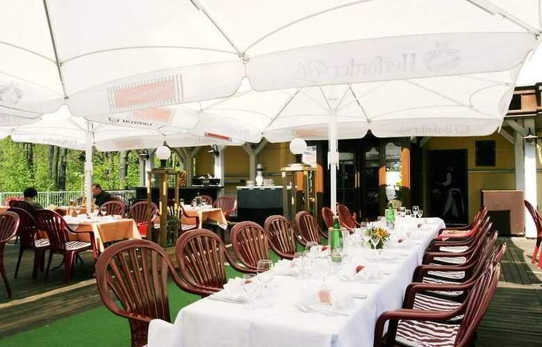 Grünau Hotel - Terrace - 7