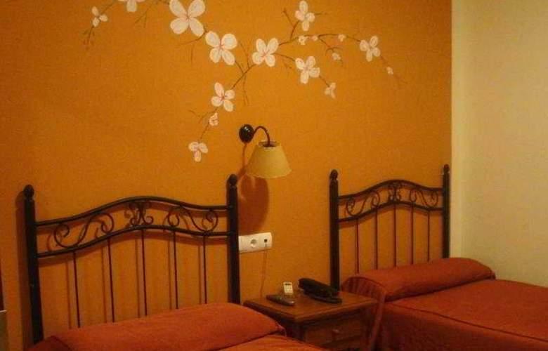 Las Rosas - Room - 3