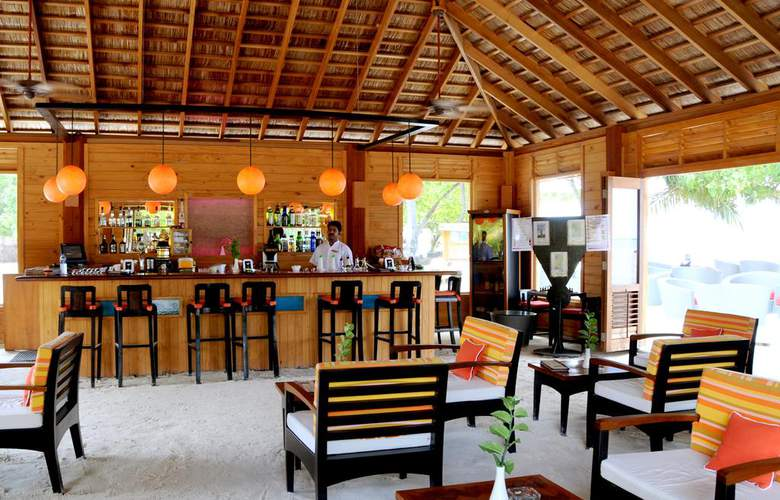 Meeru Island Resort - Bar - 26