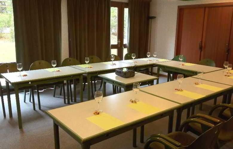 Castel Burgond - Conference - 4