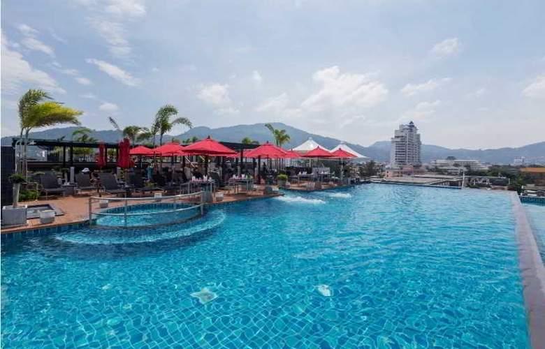 The Charm Resort Phuket - Pool - 14