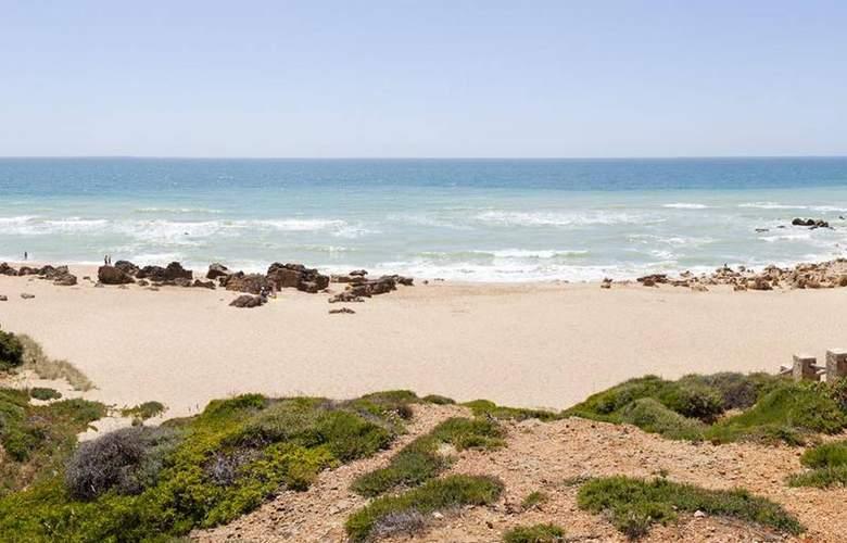 Ilunion Calas de Conil - Beach - 23