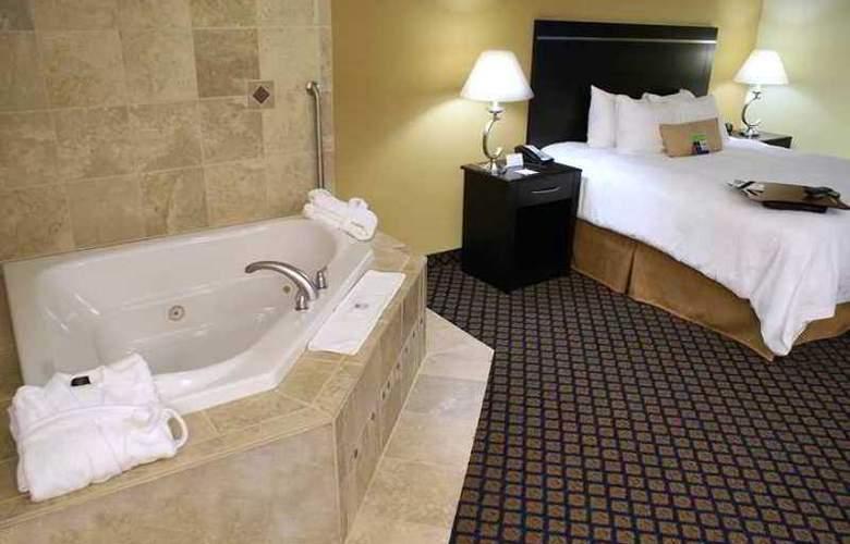 Hampton Inn & Suites Jacksonville S. Bartram Park - Hotel - 4