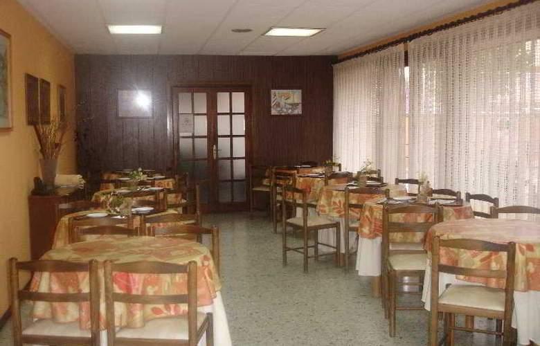 Santa Ana - Restaurant - 6