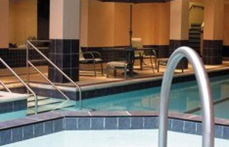 Lord Elgin Hotel - Pool - 2
