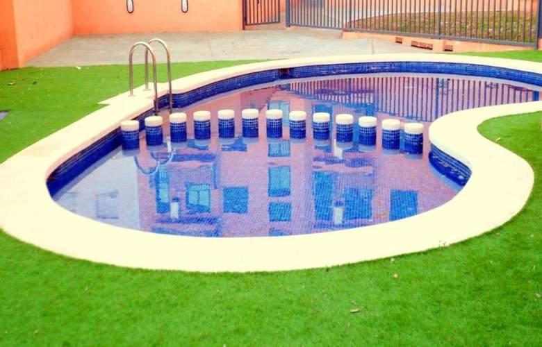 Realrent Jardines de Viveros - Pool - 2