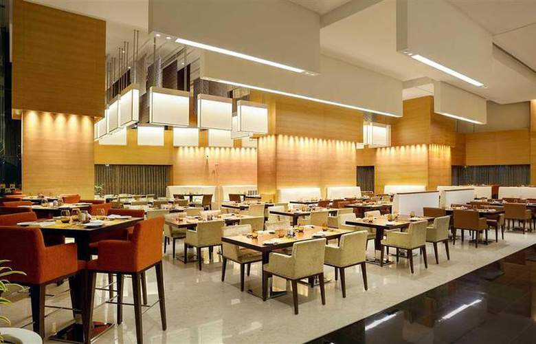 Novotel Pune Nagar Road - Restaurant - 76