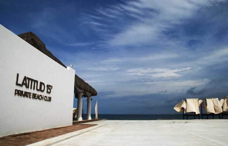 La Isla Huatulco - Beach - 17