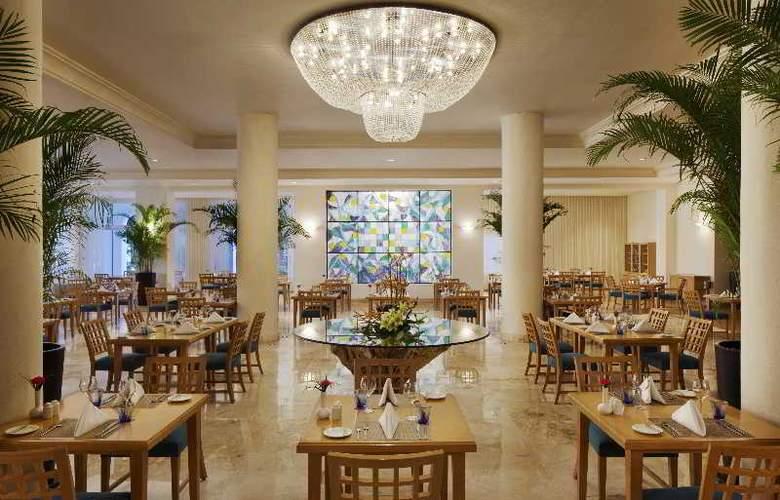 El Dorado Royale Gourmet All Inclusive - Restaurant - 22