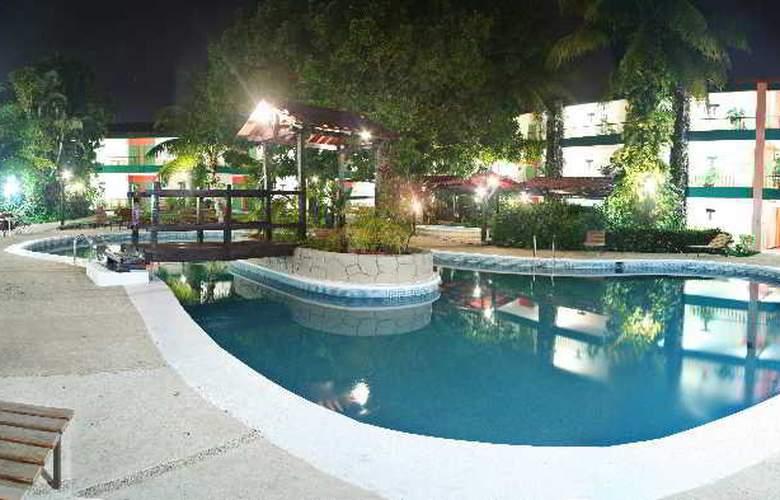 Plaza Palenque - Pool - 7
