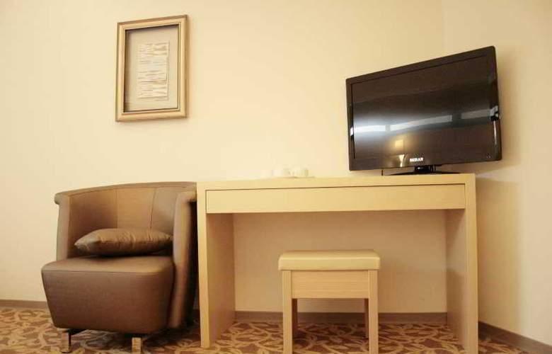 Green World Hotel Song Jiang - Room - 2