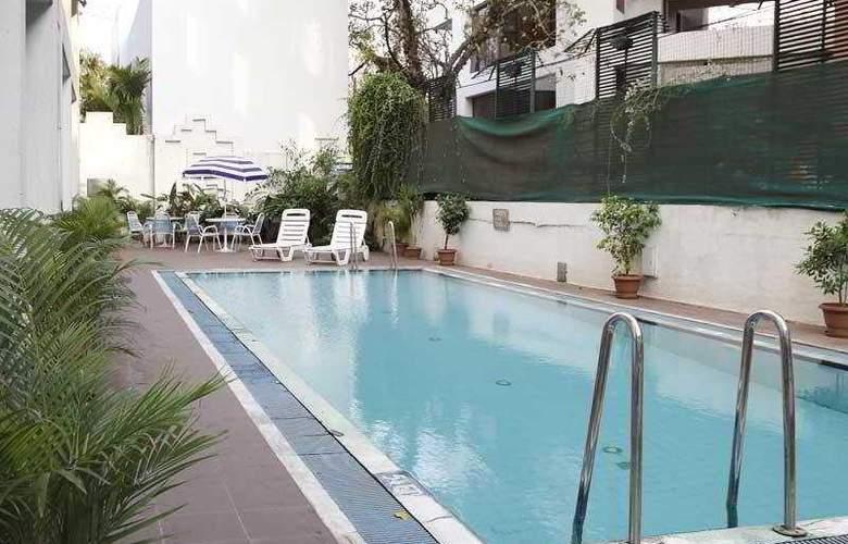 Hotel Sagar Plaza - Pool - 4