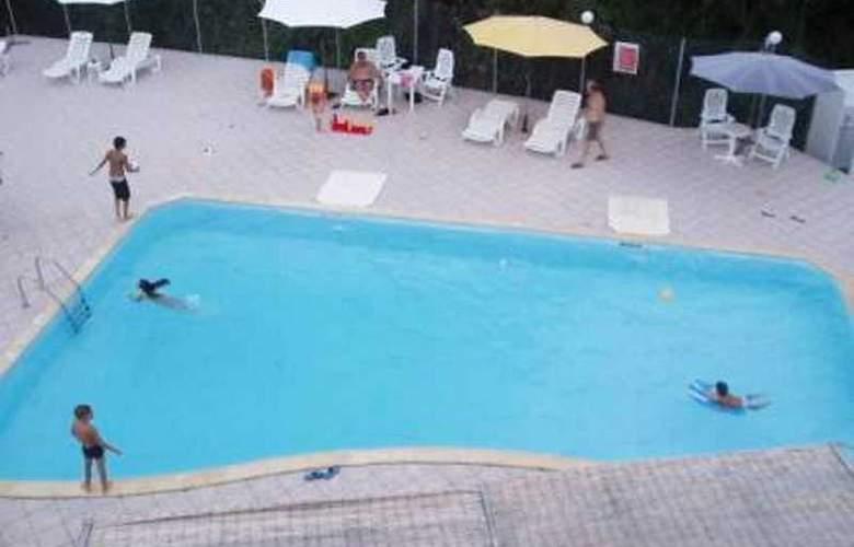 Amazona - Pool - 2