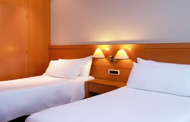 Tryp Málaga Alameda - Room - 2